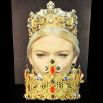 baroque-d&g-crown-swarovski-24k-gold-red-blue-01